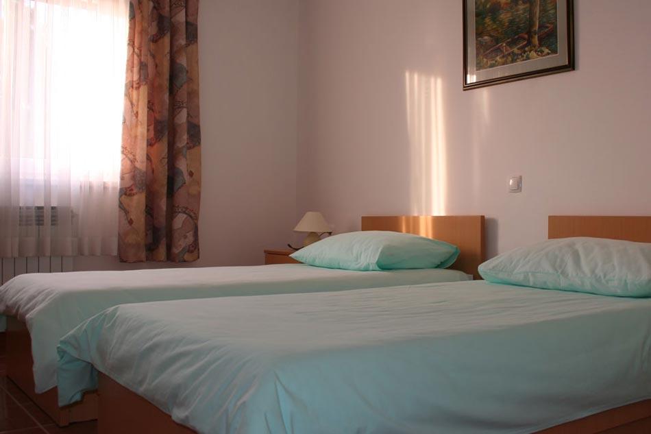Roganac-smještaj-sobe55